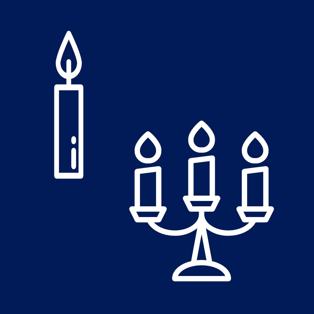 Kandelaars en kaarsen